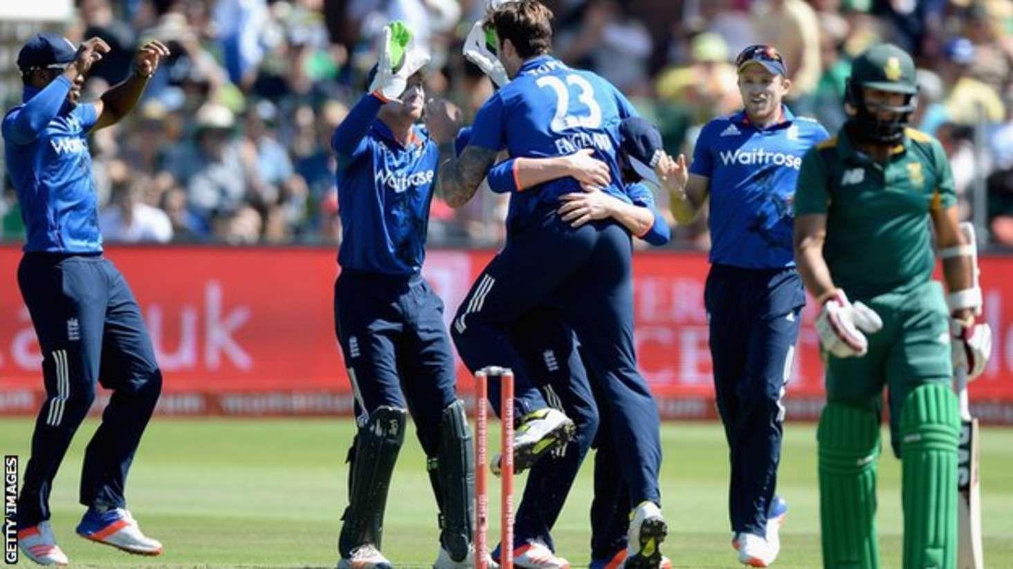 England beat South Africa in Port Elizabeth for 20 ODI