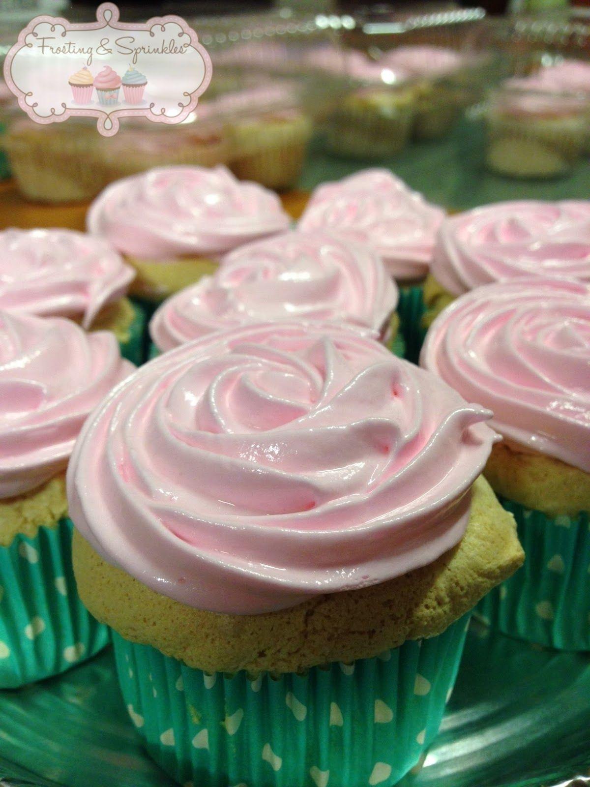 Frosting and Sprinkles: Cupcakes de Ángel Food Cake (Chiffon versión americana...jajaja)