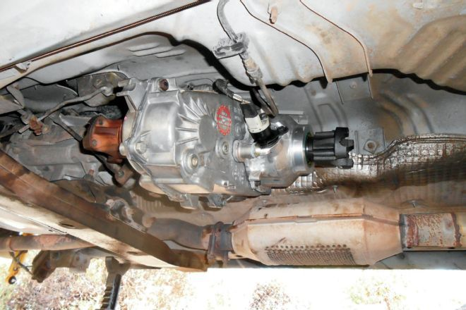 service manual removal of 1995 jeep cherokee tranmission transmission cooler line broke jeep. Black Bedroom Furniture Sets. Home Design Ideas