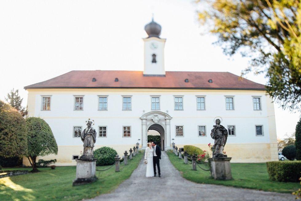 Marion & Thomas | Hochzeit in Schloss Altenhof im Mühlviertel - Carolin Anne Fotografie - Wedding Photographer from Linz, Austria - Love this castle so much <3
