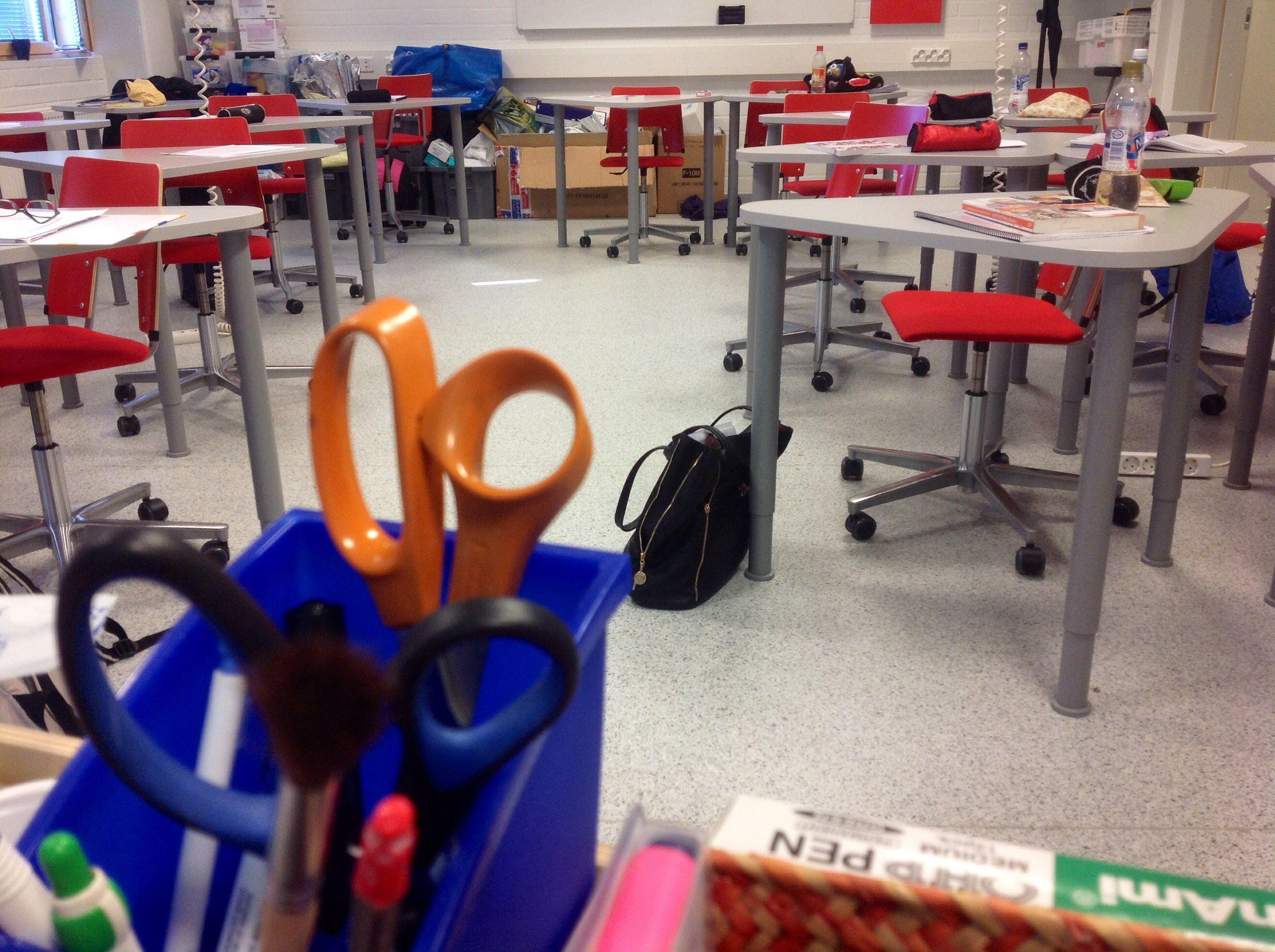 Välitunti! / Break between lectures!  #koulu #välitunti #hoitaja #opettaja #break #teacher #nurse #school