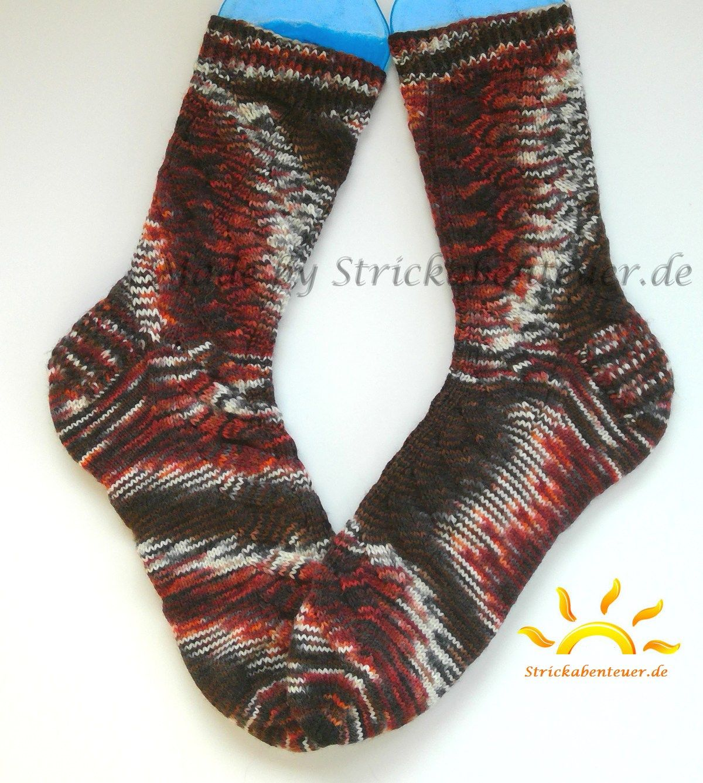 gestrickte Socken Muster Nutkin mit Wolle Tausendschön von ...