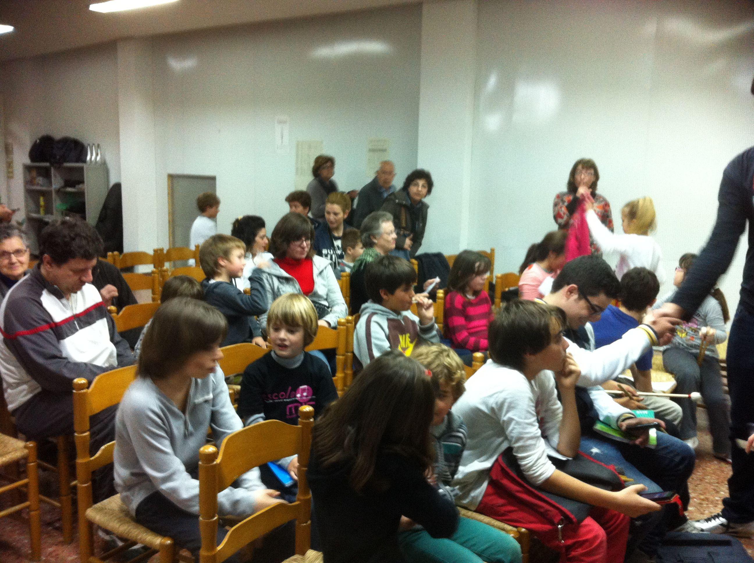 El públic abans de l'audició de Percussió del professor Xavier Cerdà (26-3-2013).