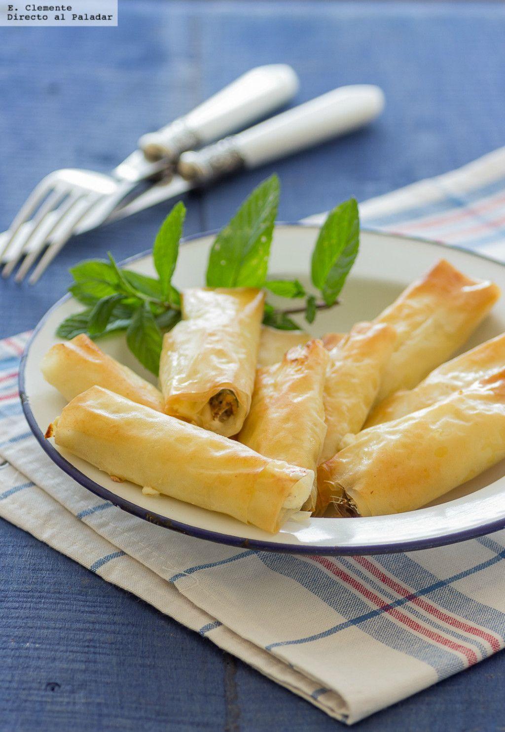 Rollos de pasta filo rellenos de sardinas y queso crema.