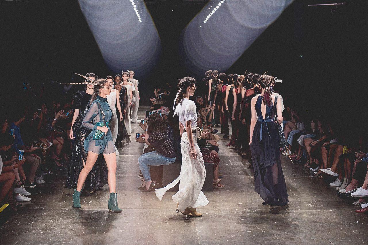 Veja a galeria das fotos do coletivo I Hate Flash no quartodia de São Paulo Fashion Week. + I Hate Flash: o terceiro dia de SPFW em fotos do coletivo + Asegunda-feira do SPFW pelo olhar do I Hate Flash