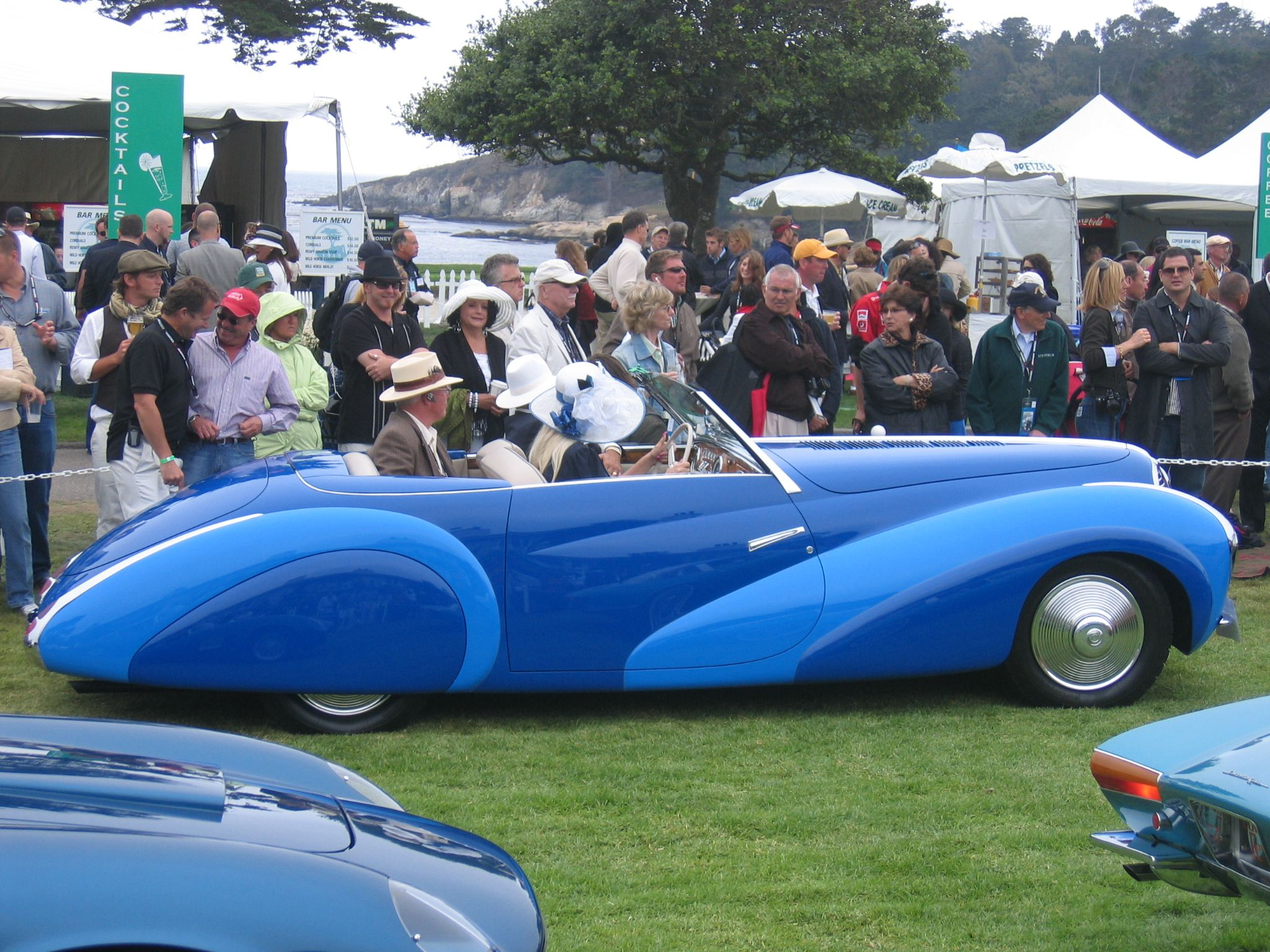 AutoArt: 1948 Delahaye 135 MS (here, replicated by nsf Coachbuilders of Portugal, being driven at Pebble Beach)