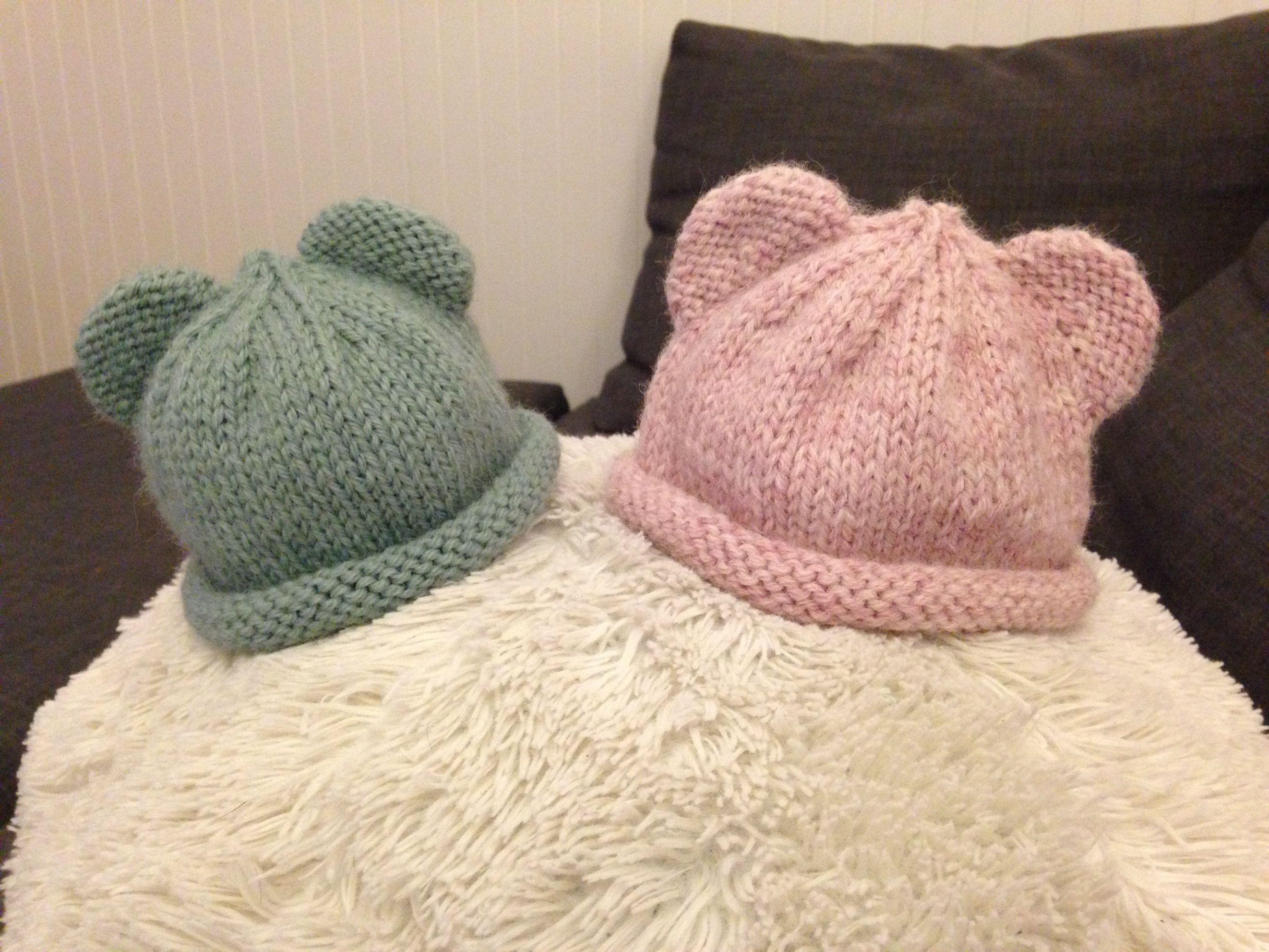 Cute newborn hat with bear ears - FREE pattern by Carolyn Ingram ...