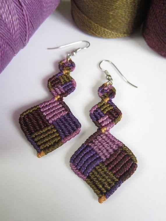 Purple lavender macrame pending earrings handmade creation pendientes macram macram aros - Colgadores de pendientes ...