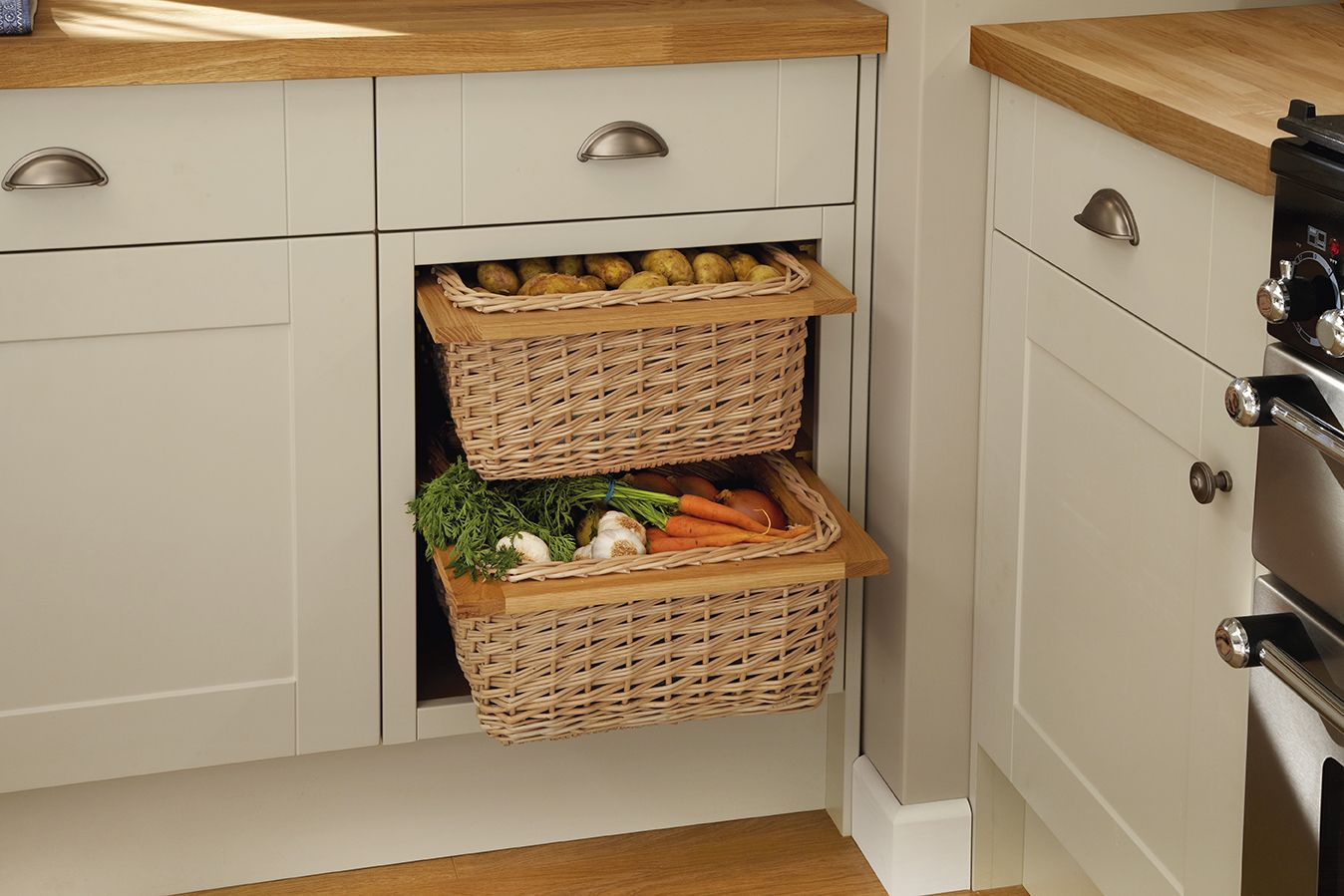 Howdens The Uk S Number 1 Trade Kitchen Supplier Shaker Style Cabinet Doors Shaker Style Cabinets Wicker Furniture