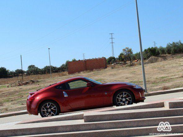 Un hombre vende un testículo para adquirir un Nissan 370Z - http://www.motoradictos.com/marcas/nissan/un-hombre-vende-un-testiculo-para-adquirir-un-nissan-370z Nissan 370Z