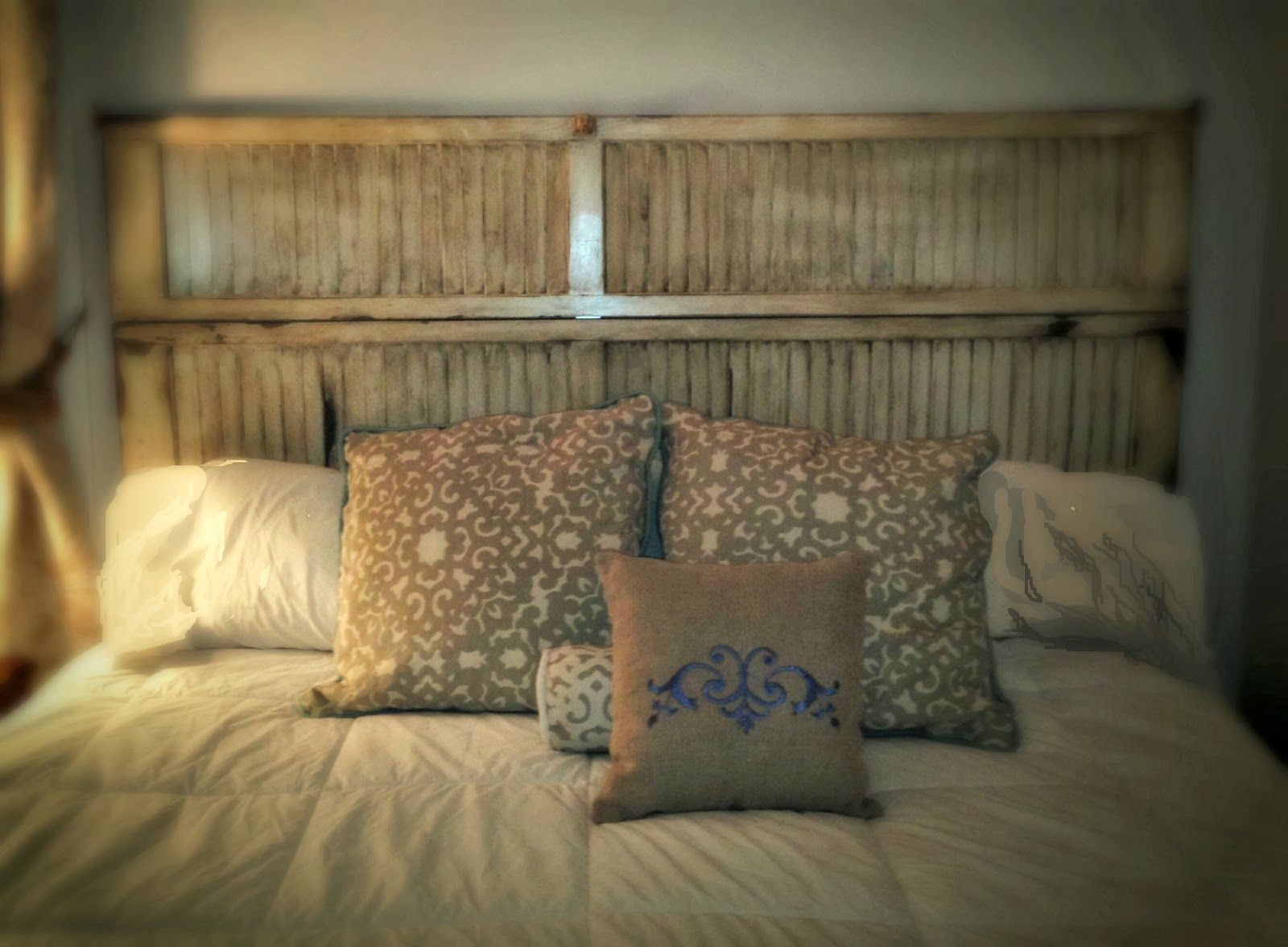 sheshe, the home magician: headboard made from an old louvered