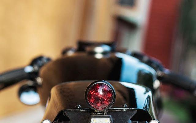 XL 1200 Rewheeled Base: Harley Davidson Nightster 2009