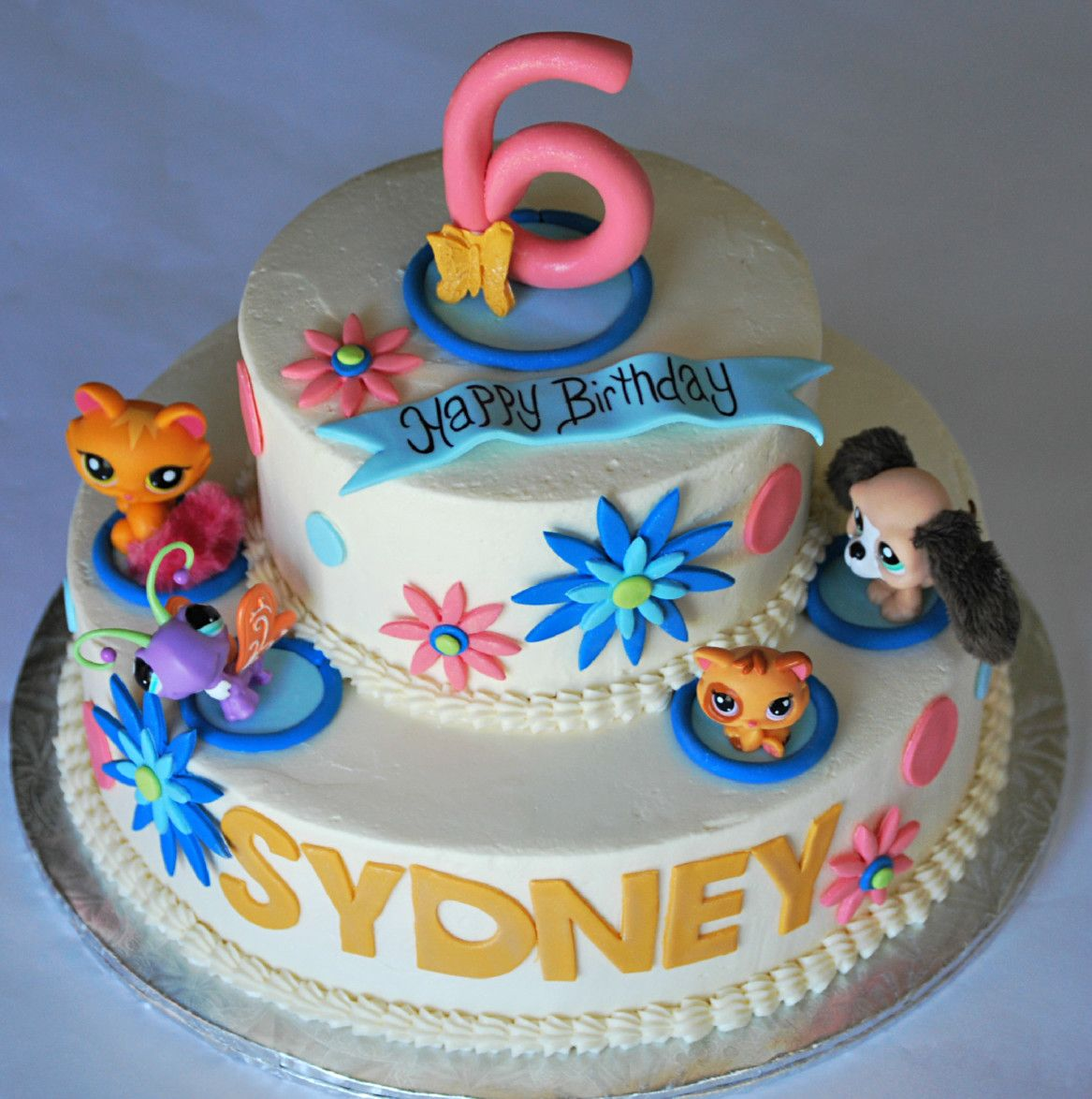 littlest pet shop cake with furry dogkittenbutterfly and cat