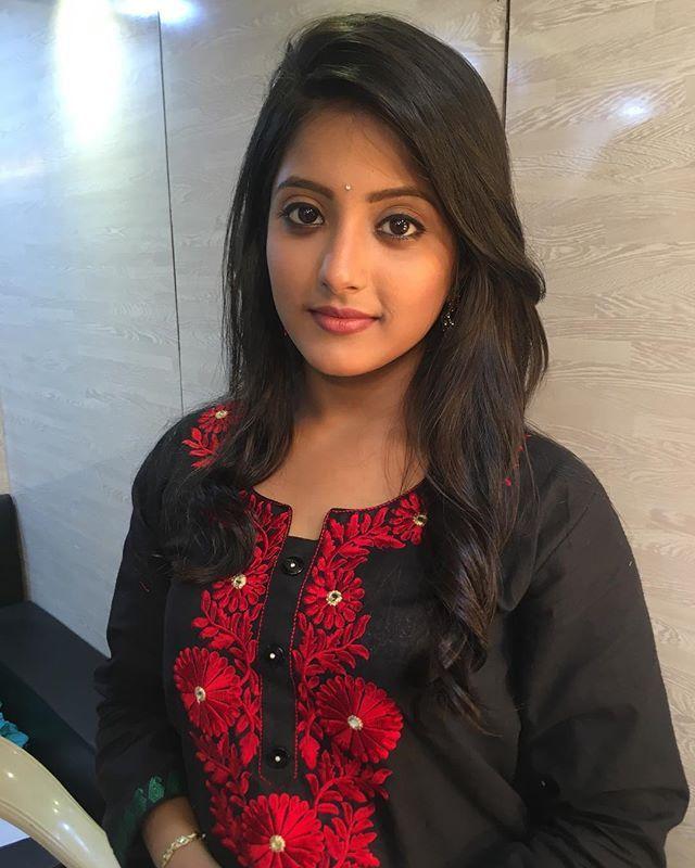 Pin By Sushma Chaudhary On Ulka Gupta In 2019  Beauty -4439