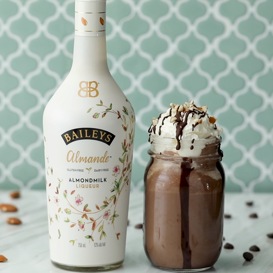 Thanks to Baileys Almande, this completely dairy-free mudslide will delight all of your guests! #paidpartnership #Baileys #mudslide #almonds #irishcream #chocolate #chocolatechips #coconutoil #coconut #salt #coldbrew #icedcoffee #coffee #chocolateicecream #icecream #coconutcream #dairyfree #almondmilk