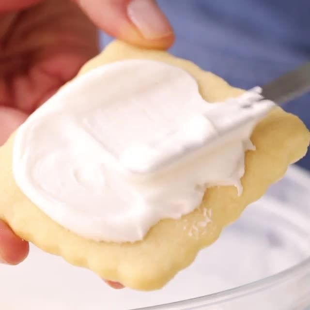 """Real Simple on Instagram: """"Made using only three ingredients, this easy royal icing recipe is great for decorating or flooding sugar cookies or attaching flowers and…"""" #easyroyalicingrecipe Real Simple on Instagram: """"Made using only three ingredients, this easy royal icing recipe is great for decorating or flooding sugar cookies or attaching flowers and…"""" #easyroyalicingrecipe Real Simple on Instagram: """"Made using only three ingredients, this easy royal icing recipe is great for de #easyroyalicingrecipe"""