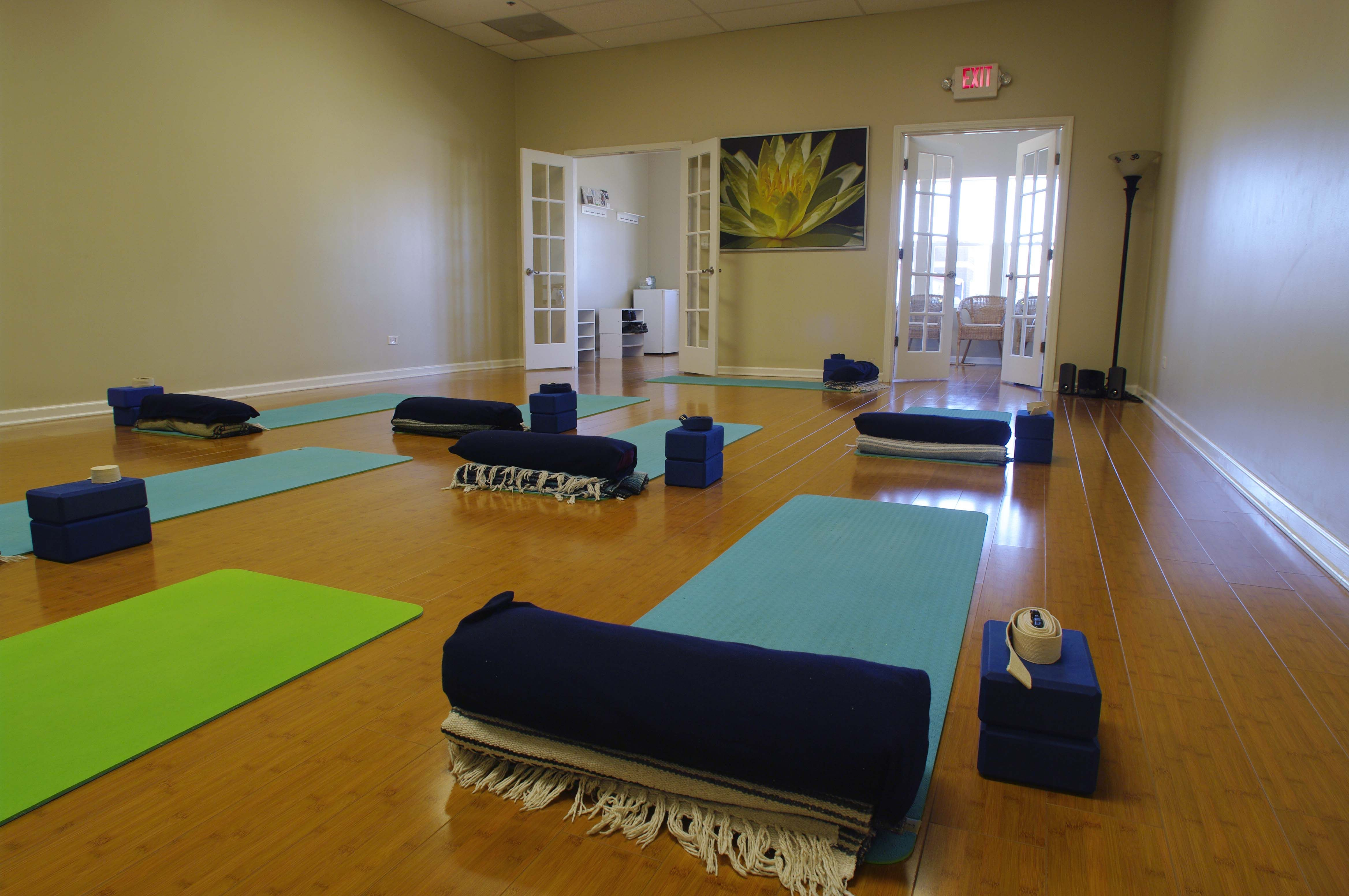 Reflections Yoga Center Yoga Studio Classes In Tinley Park Yoga In Oak Forest Yoga In Orland Park Yoga Center Yoga Studio Yoga