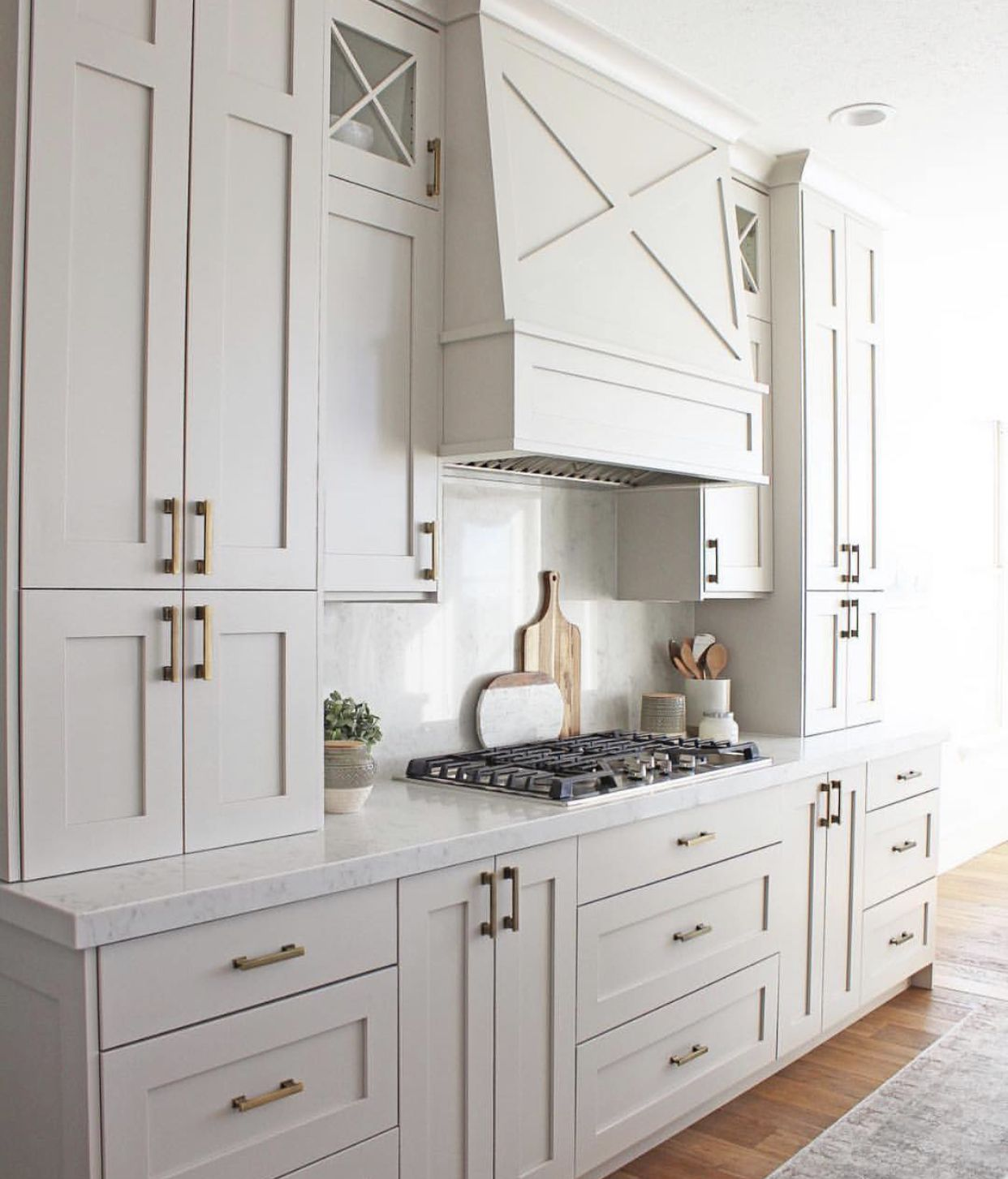 French Country Kitchen Cabinets: French Country Kitchen Inspiration. Love The Detail On The