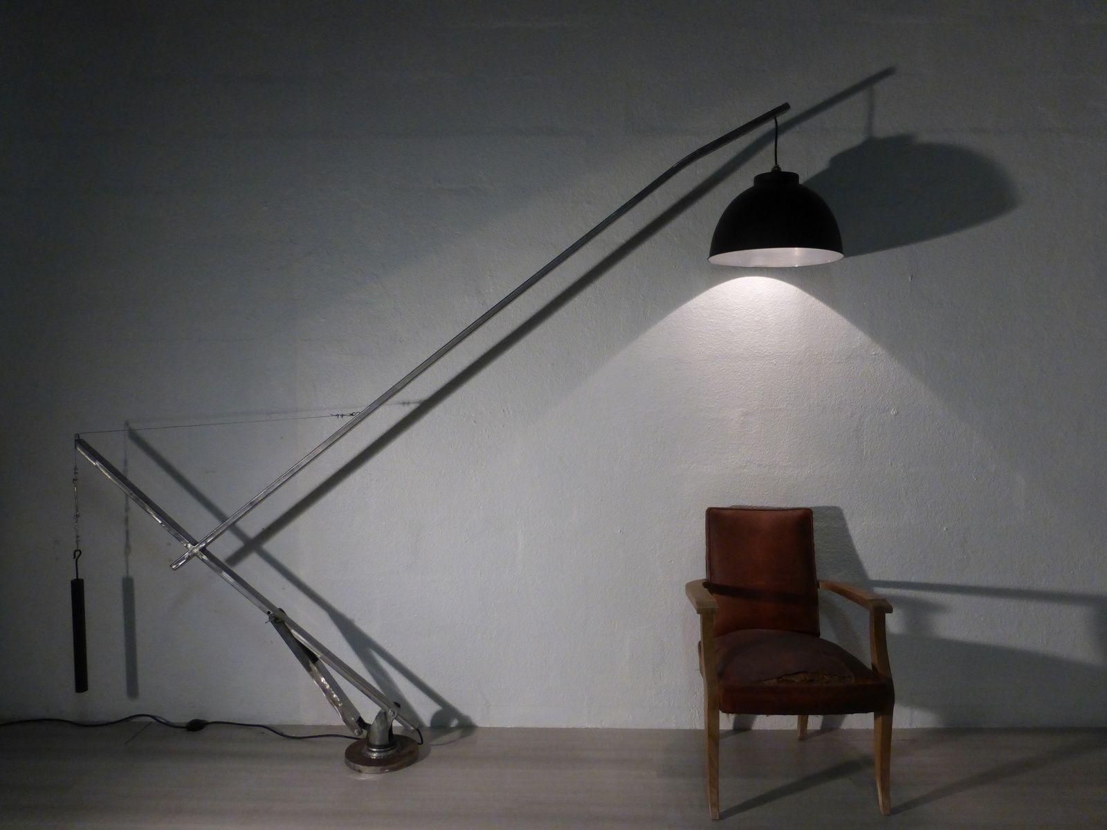 lampadaire en acier arc line structure acier port e du bras 2m10 r glable sur 3 hauteurs. Black Bedroom Furniture Sets. Home Design Ideas