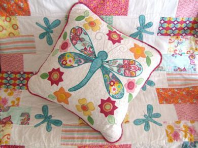 Raw edge applique tote bag pattern luna brilla dragonfly quilt raw edge applique tote bag pattern luna brilla dragonfly quilt and cushion publicscrutiny Image collections
