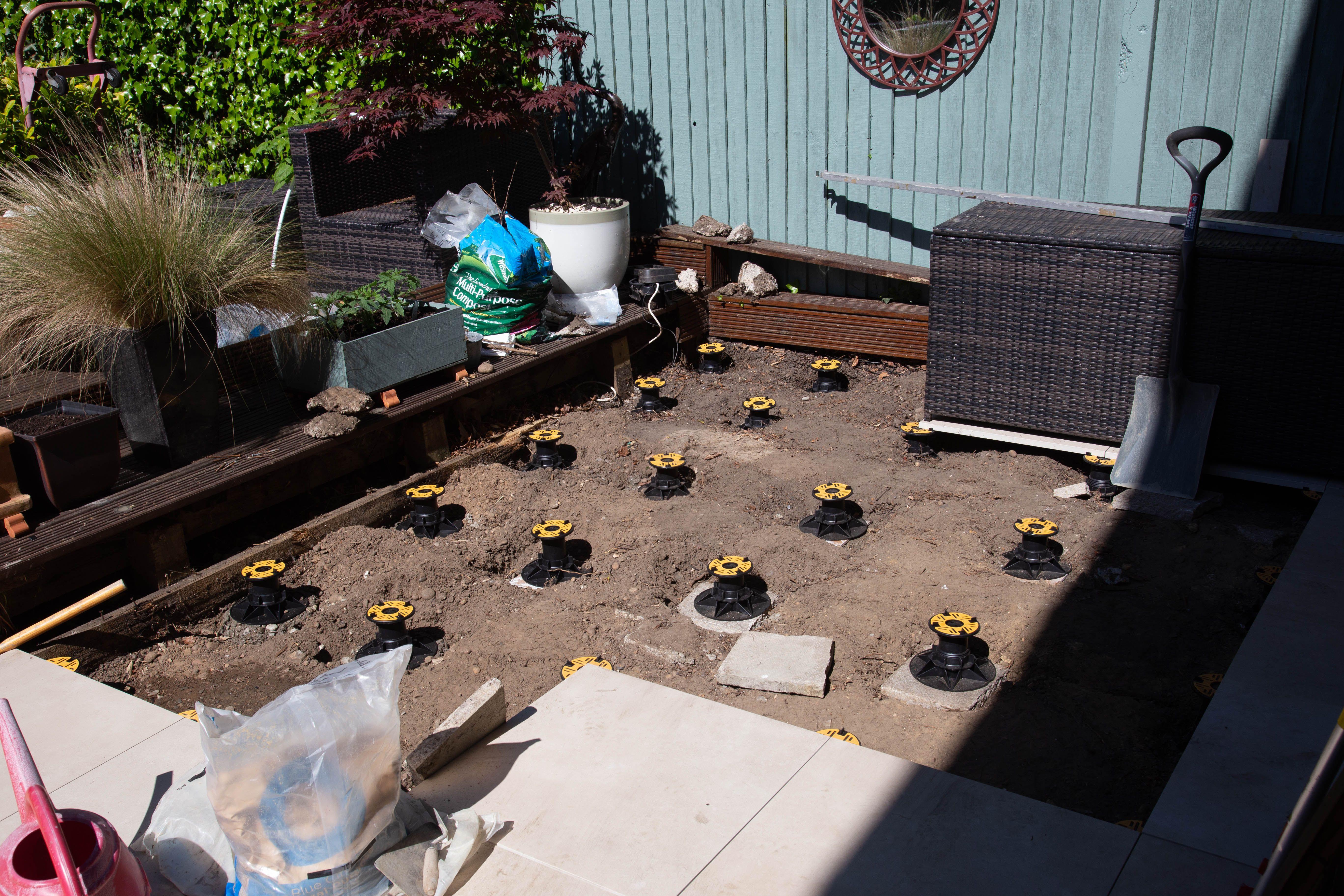 Luxury Patio Construction West Wickham London In 2020 Garden Paving Refurbishing Pedestal