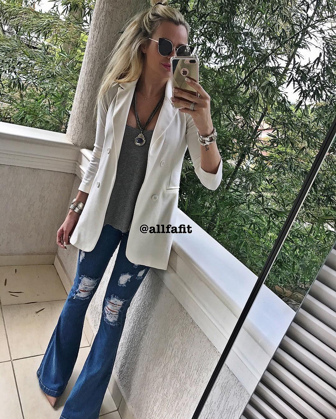 f226f0b9a8 E a calça maraaaa tbm é novidade!! Calça jeans Flare destroyed cintura alta  com elastano P M G