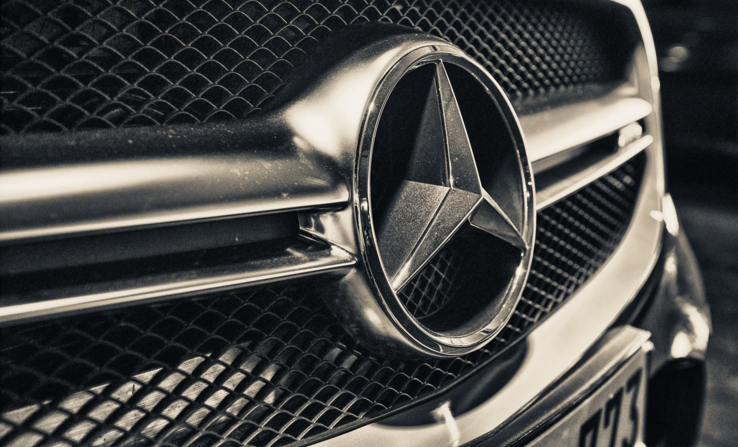 Automaker Daimler Has Carried Out Its First Transaction On The Blockchain Based Marco Polo Trade Finance Network Mercedes Mercedes Benz Mercedes Benz Mclaren