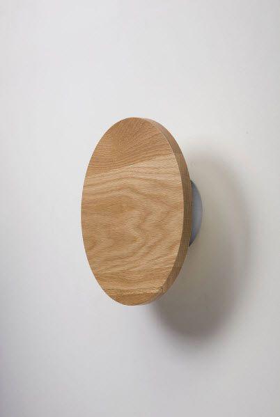 applique murale contemporaine ronde en bois radient. Black Bedroom Furniture Sets. Home Design Ideas
