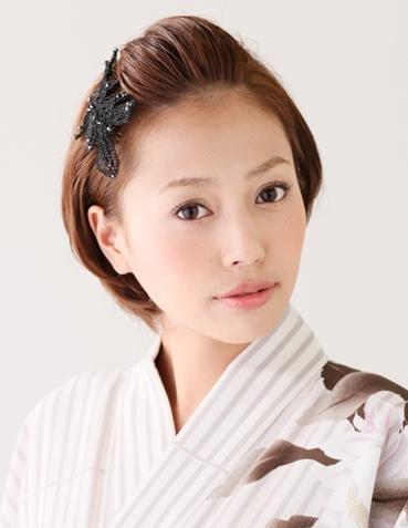 和装に似合うポンパドール 長さはそのままで髪型の雰囲気を変えたい