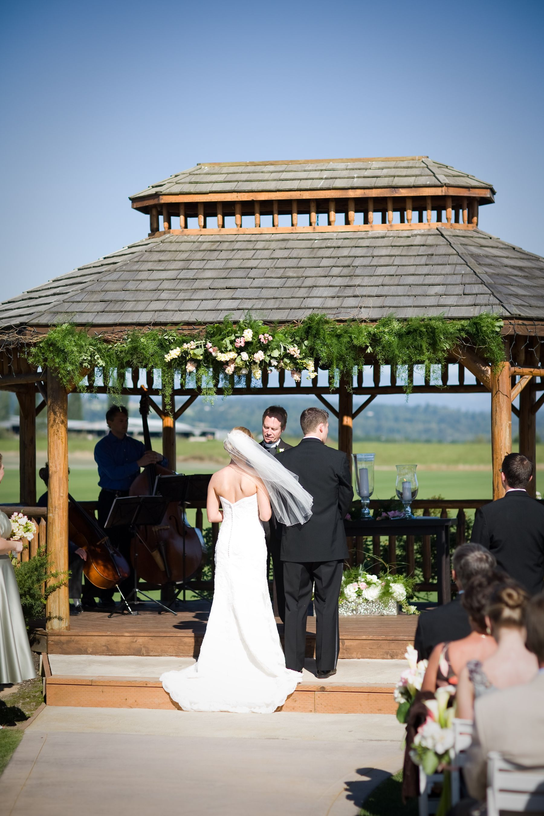 Gazebo Flowers At Hidden Meadows Snohomish Wa County Arches Wedding