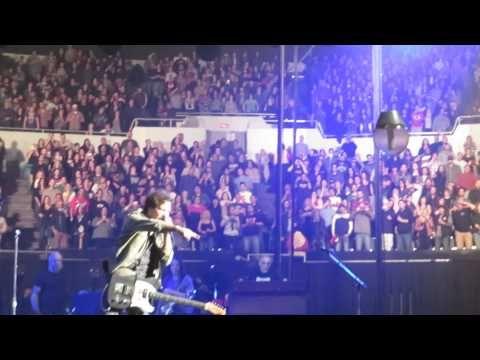 """""""Opie and Anthony"""" es el programa de radio norteamericano donde Chris Cornell, líder de la banda Soundgarden, conoció al chileno Javier Díaz, que imita a Edd..."""