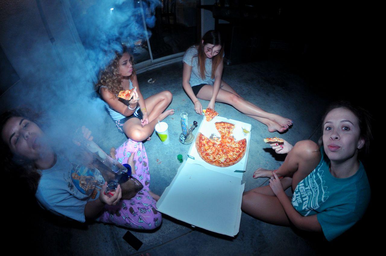 girls weed College smoking