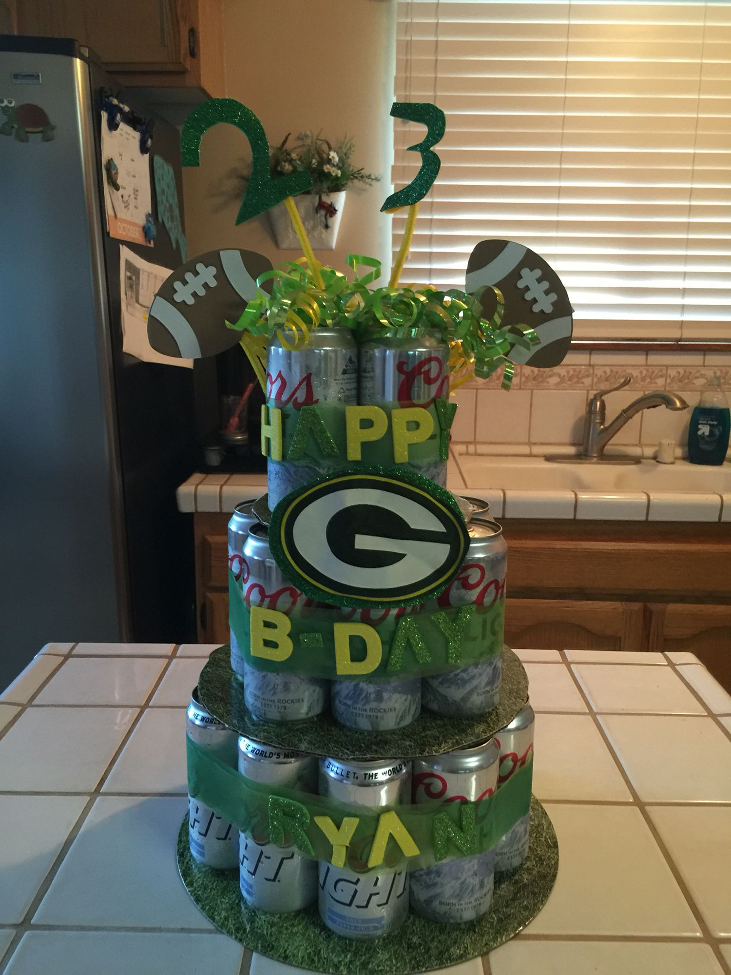 Green Bay Packers Party Decorations from i.pinimg.com