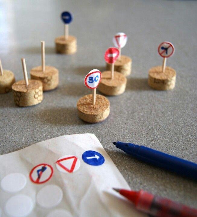 Como hacer seales de transito con material reciclado for Como construir piletas de material