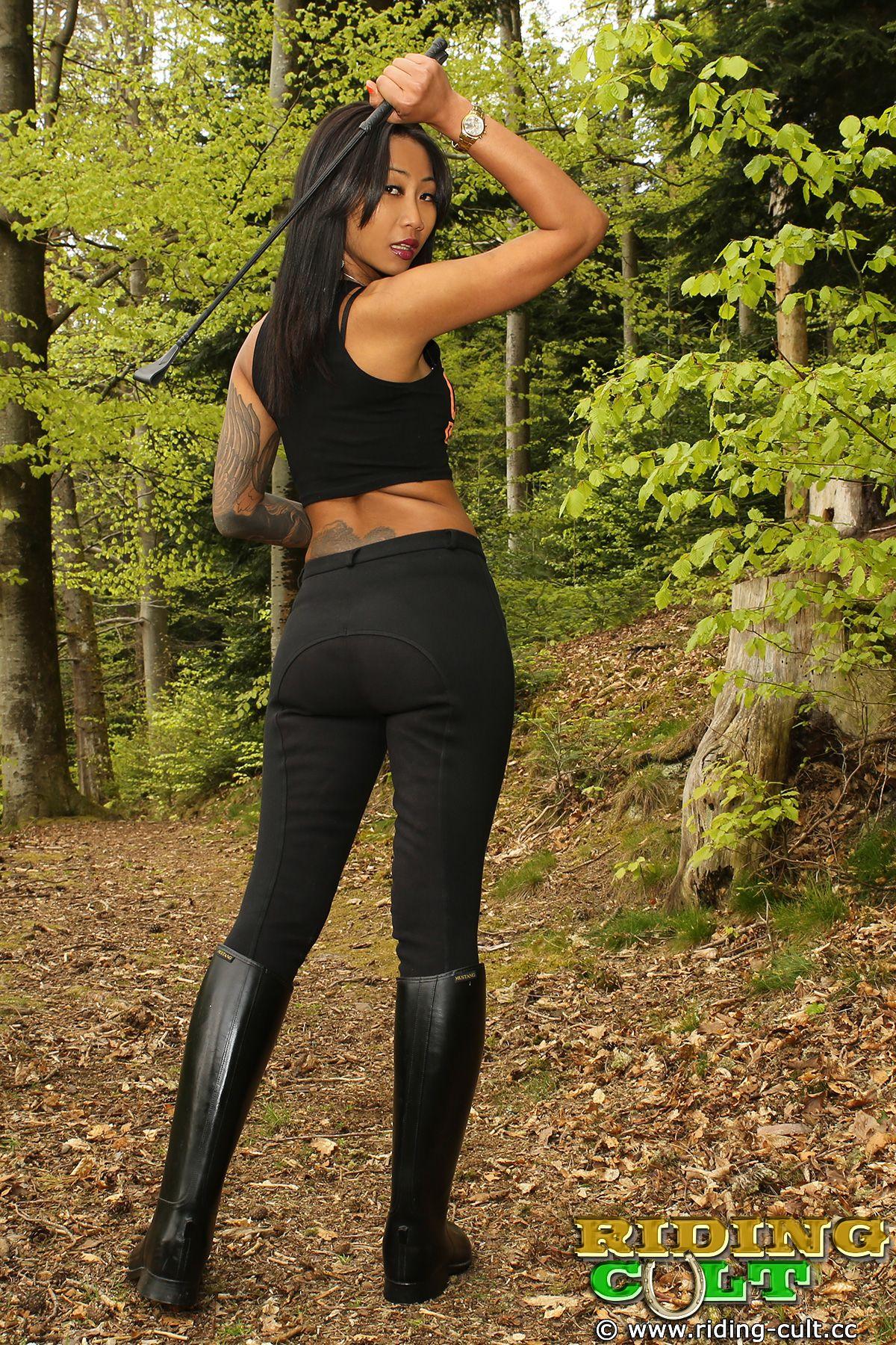 PONYPLAY • Thema anzeigen - Wer hat Lust auf ein Update mit LADY ASIA ?? Riding  BootsEquestrianMistressLustTattooed ...