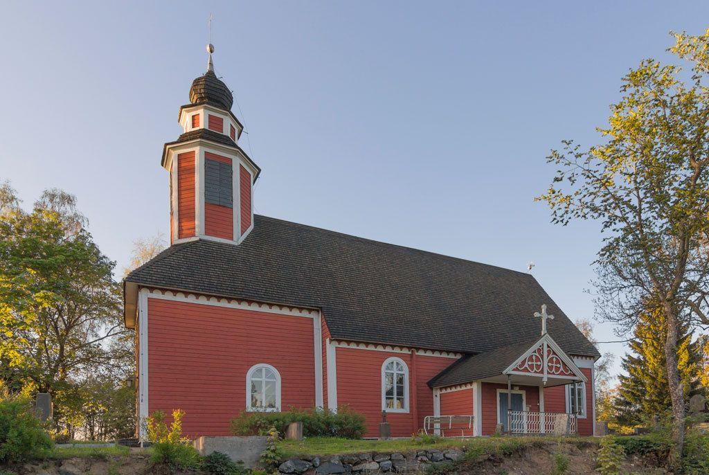 Metsämaan kirkko Loimaalla on rakennettu aikanaan ilman esivallan lupaa.