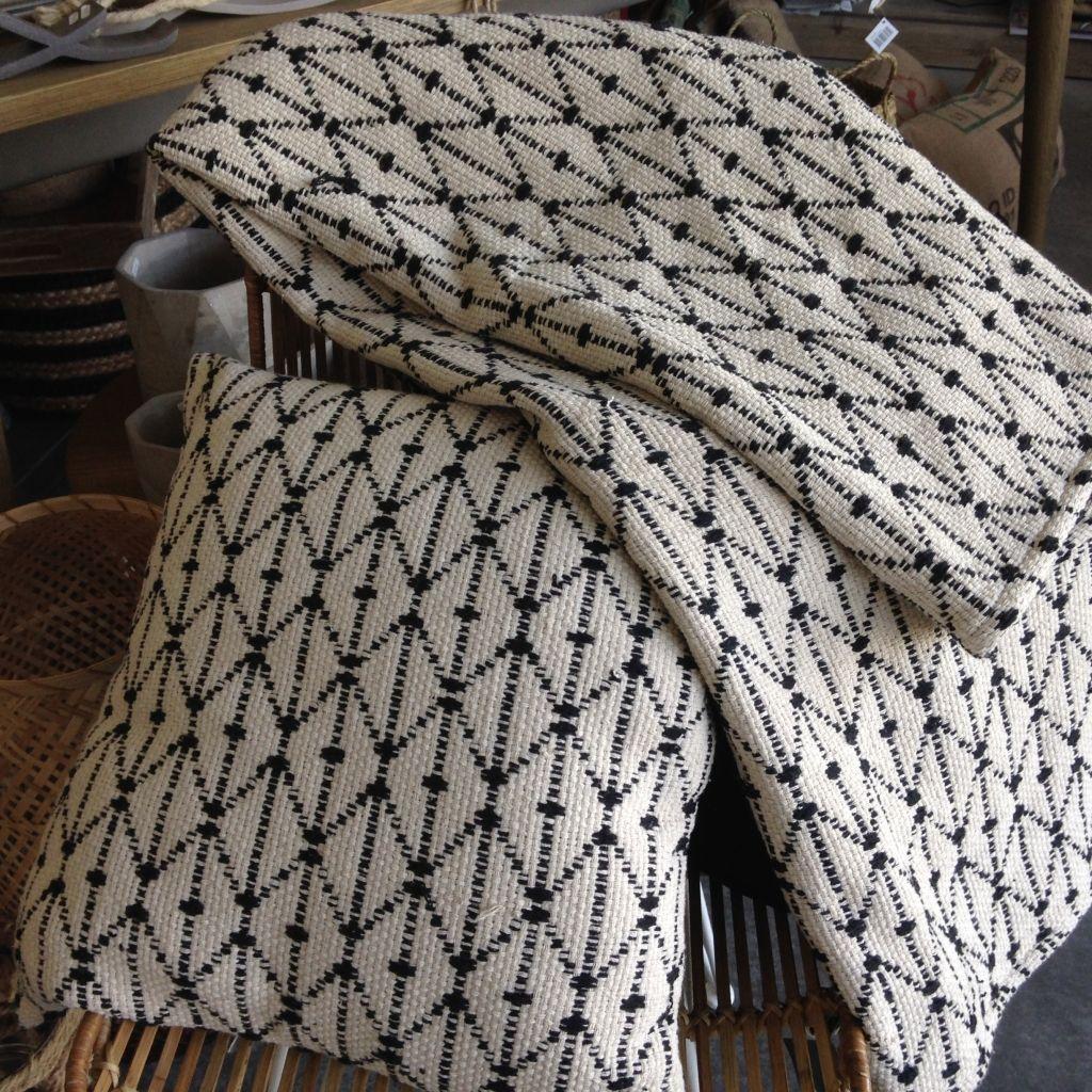 coussins et draps archib d coration coussin trip d co scandinave archib pinterest. Black Bedroom Furniture Sets. Home Design Ideas