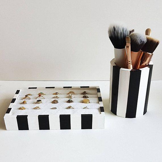 Rangement collection complète Bague support porte crayon | Rangement bijoux, Porte crayon ...