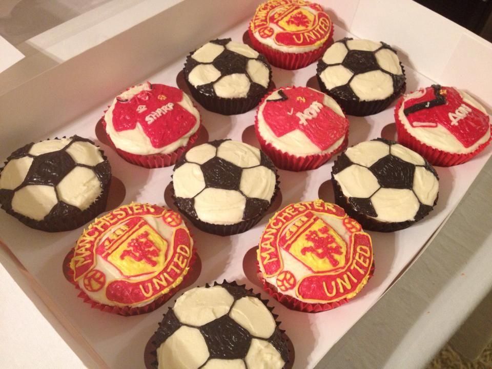 Manchester United Cupcakes Manchester United Cake Cake Decorating Fondant Cupcakes