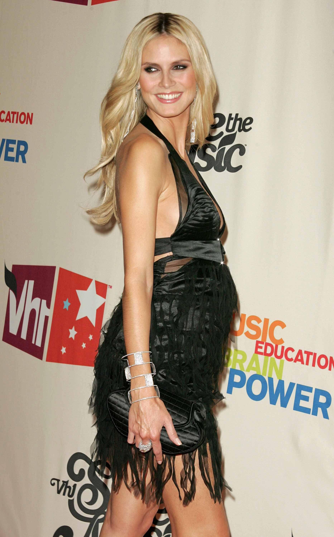 Heidi Klum (4 months pregnant) VH1 SAVE THE MUSIC: A Concert to ...
