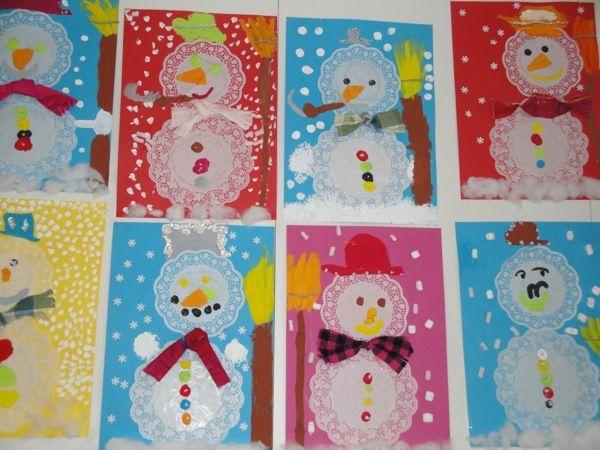 bonhomme de neige avec napperons en papier snowman pinterest bonhomme de neige napperons. Black Bedroom Furniture Sets. Home Design Ideas