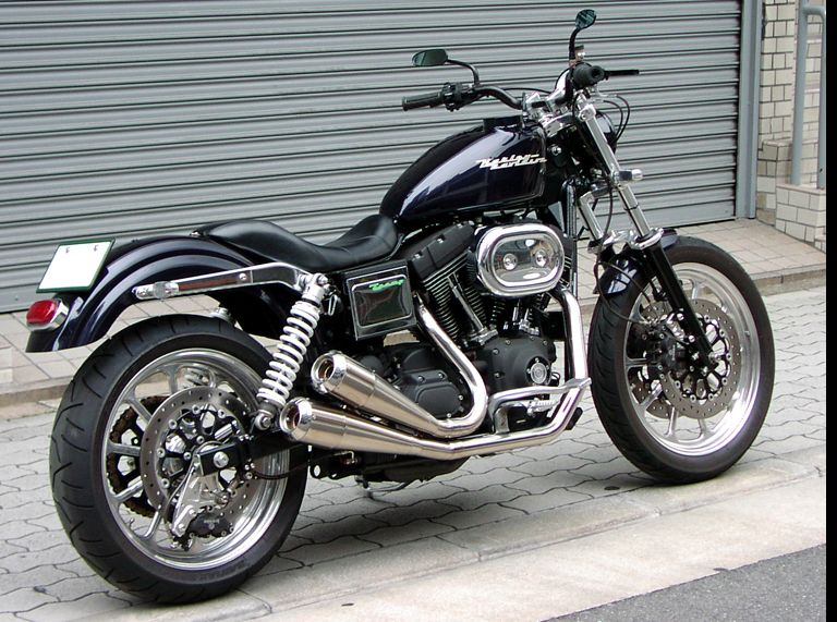 Harley Davidson Dyna Super Glide Sport trampcycle