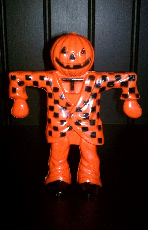Vintage halloween decorations plastic - Vintage Halloween Plastic Rosbro E Rosen Pumpkin Man Scarecrow Candy Container 1950s Collectible Broken Stem