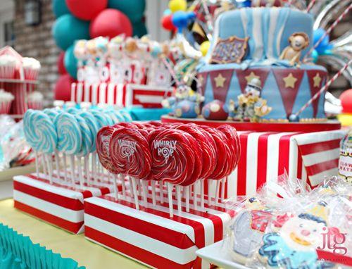 1000+ images about Mesas de dulces / Dessert tables on Pinterest ...