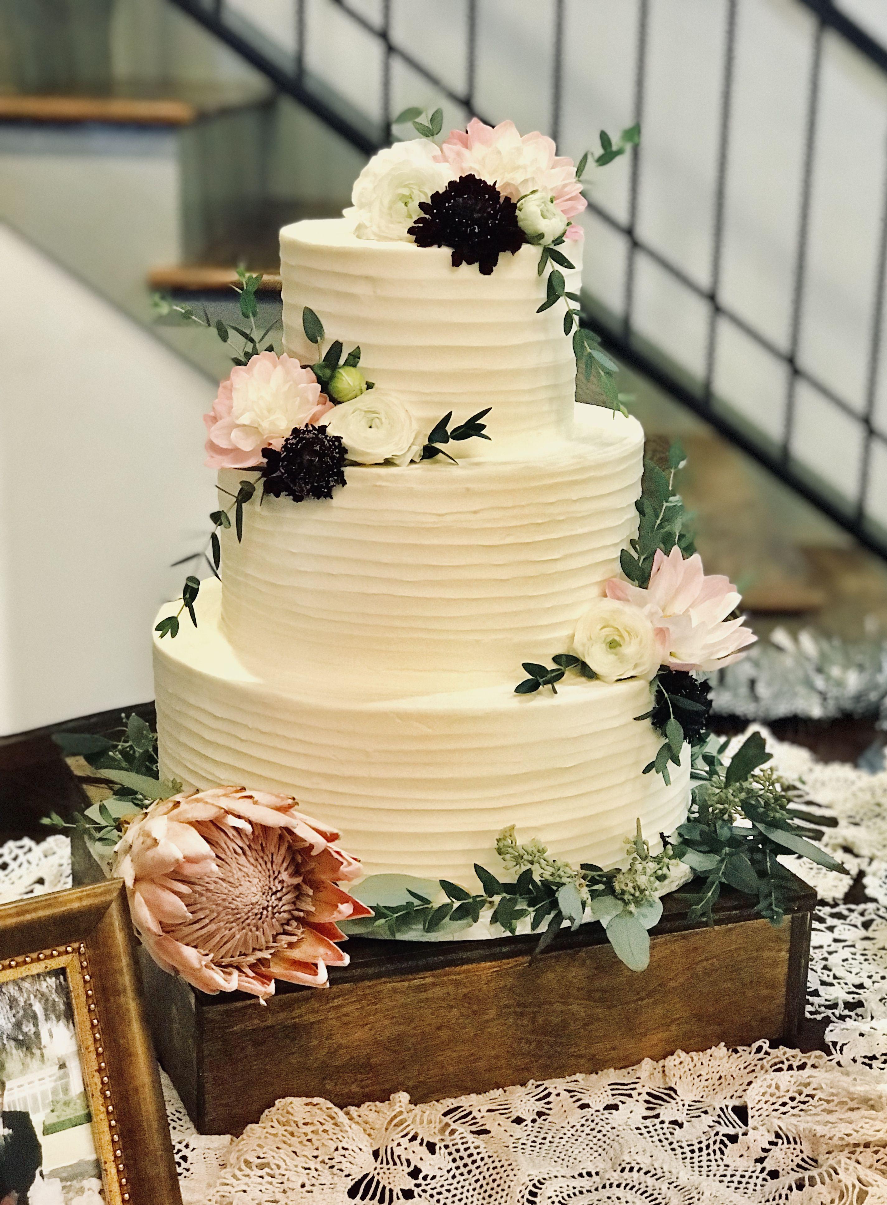 Beautiful horizontal lined buttercream wedding cake | Wedding ...