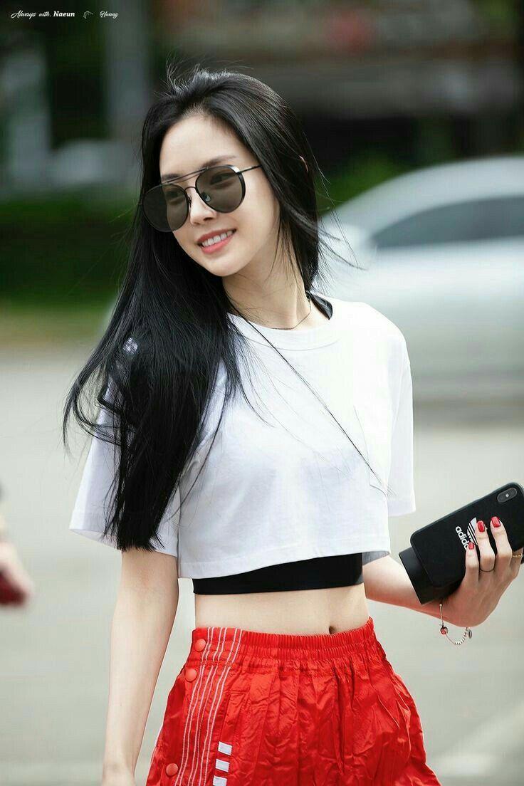 Naeun apink #kpop #gilrs #fashion | Gaya model pakaian ...