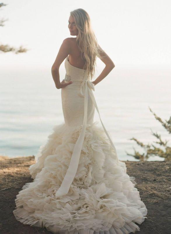 Elegant Vera Wang Lark gown Wedding Dress Collection Wedding Dresses Wedding Gown Wedding Gowns Bridal Gown Bridal Gowns Gorgeous Elegant Beautiful Mermaid Cut