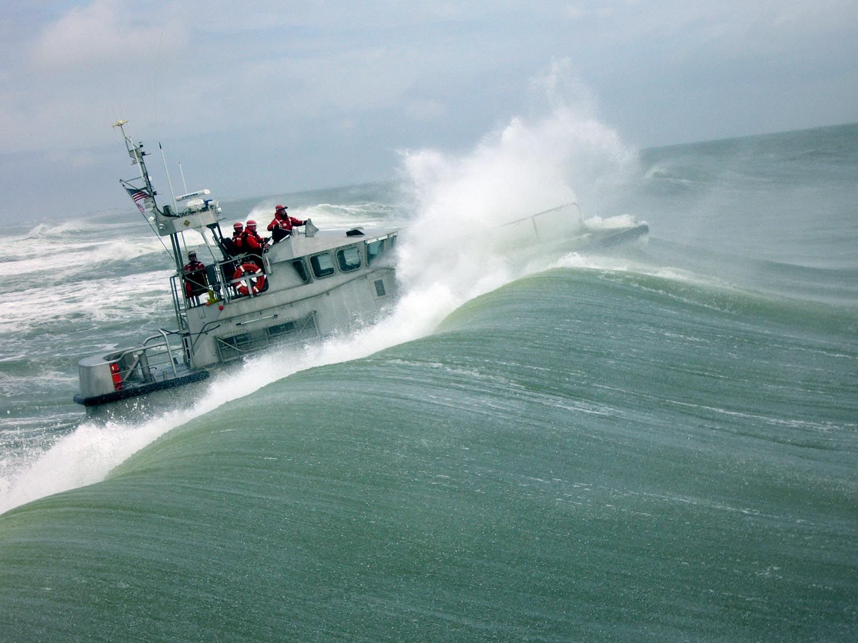 Station hatteras inlet 47 foot motor life boat training for Coast to coast motors hayward ca