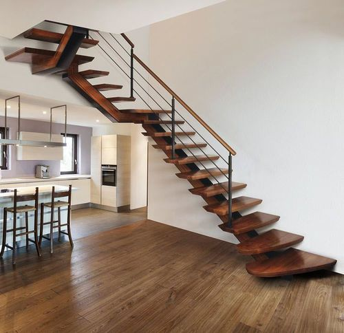 Escalera en l en u con pelda os de madera estructura for Escaleras en escuadra