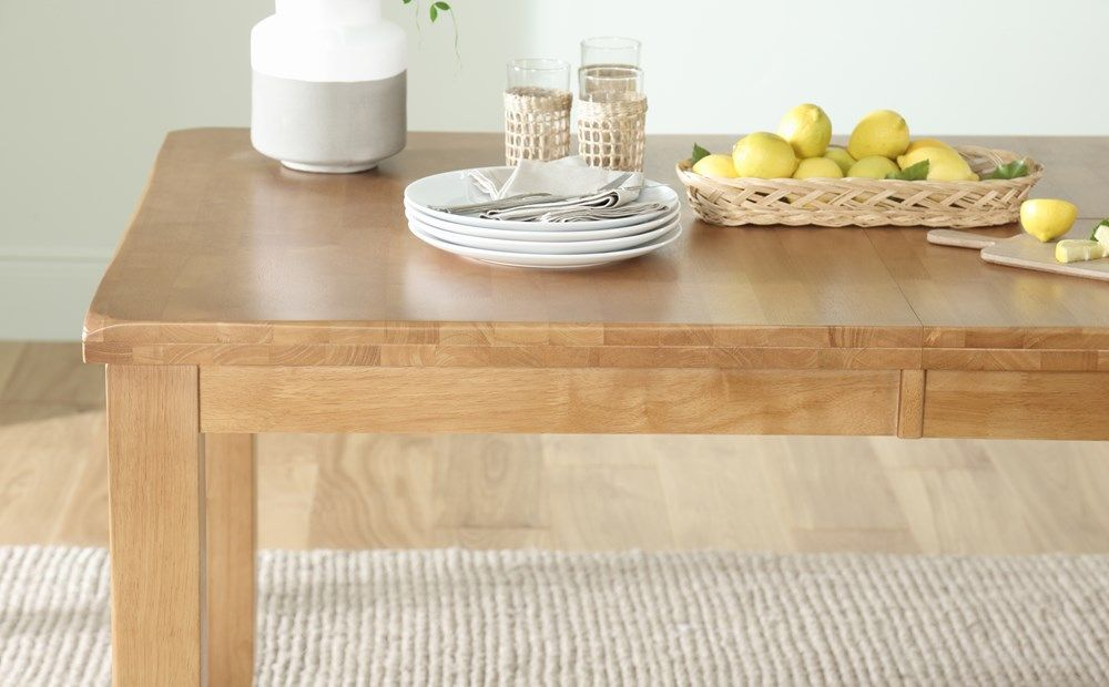 Highbury Oak Extending Dining Table With 8 Chester Chairs Ivory Seat Pad Extendable Dining Table Oak Extending Dining Table Dining Table